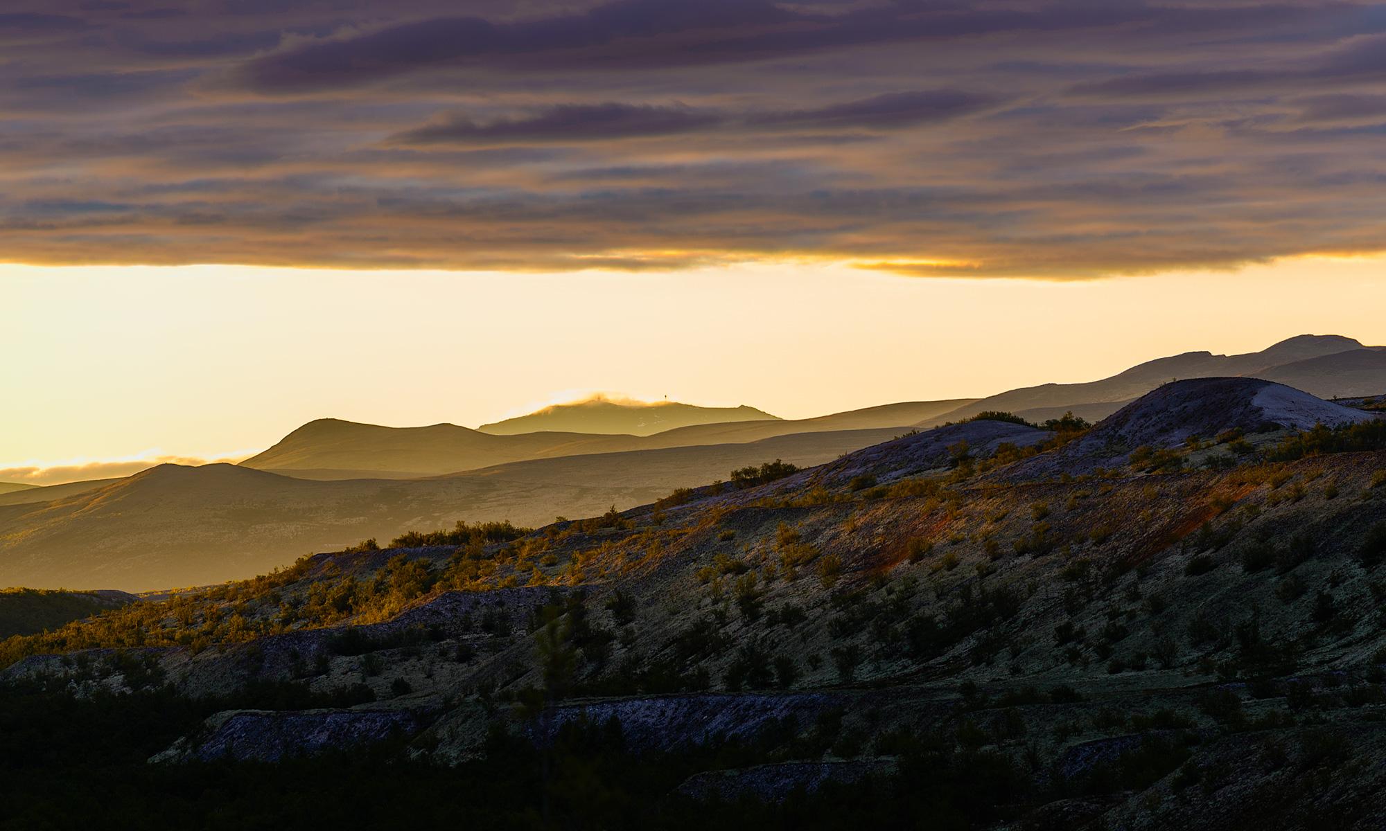 Sunrise over the mountains near Dørålseter, Rondane Nationalpark, Norway – Landscape Photography