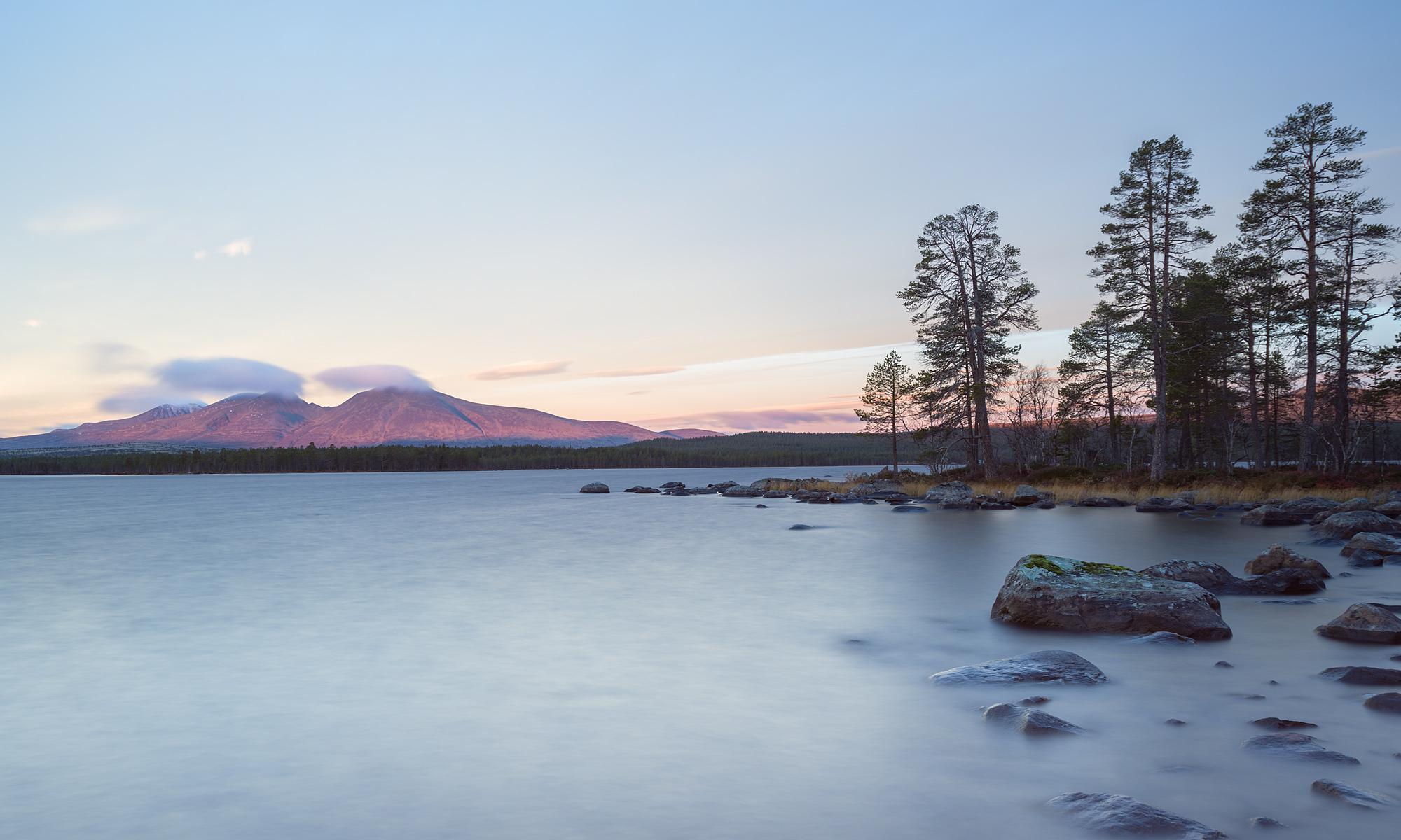 Sunrise at Isteren lake near Drevsjø, Norway – Landscape Photography